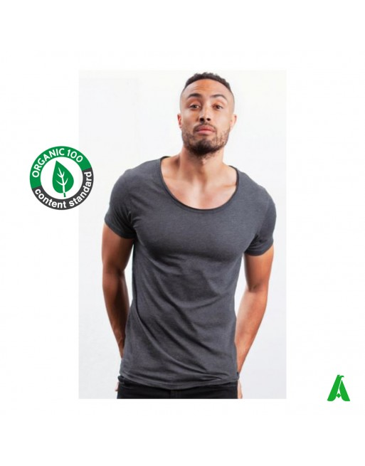 T-shirt uomo scollo grezzo 100% cotone organico, personalizzabile con stampa o ricamo fino a 9 colori.