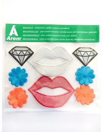 Parches bordados con los famosos emoticones de facebook para coser o termoaplicar.