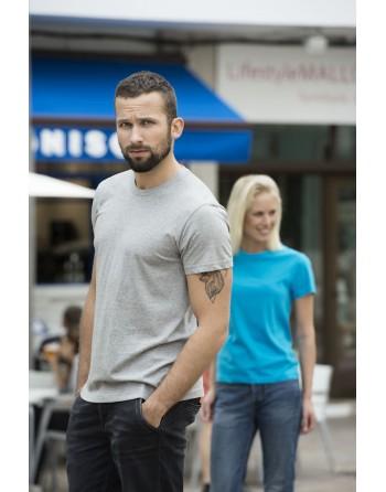 Camiseta unisex, manga corta, 100% algodón peinado, personalizado con bordados para eventos, deportes y empresas.