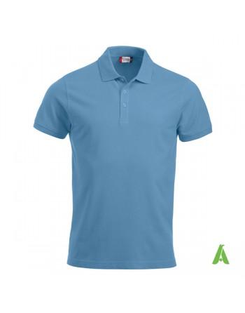 Polo unisexe bleue clair, manches courtes, tissu peigné, avec broderies pour les entreprises et le temps libre.