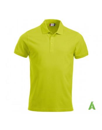 Polo de piqué color verde fluorescente 600, manga corta, unisex, personalizado con bordado para empresas y tiempo libre.