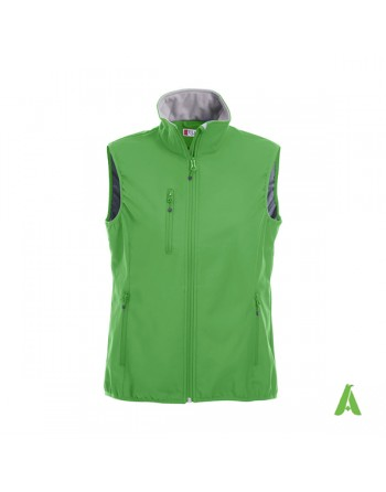 Woman softshell vest green color with bespoked embroidery for corporates, sport and promotions.
