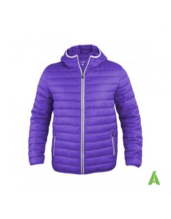 Unisex-Daunenjacke mit Kapuze in lila Farbe mit kontrastierenden Profilen und stickerei für Unternehmen, Promotion, Sport.