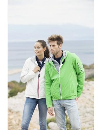 Leichte Jacke im nautischen Stil, wind- und wasserabweisend mit individueller Stickerei, für Meer, Unternehmen, Sport.