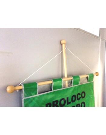 Kit madera ideal para confalones, con asta de madera, perilla en la punta, travesaño, cordòn y gancho.