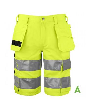 Bermuda professionale da lavoro giallo fluo alta visibilita', bande rifrangenti, tasche flottanti, porta utensili e cellulare.