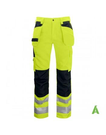 Pantalone alta visibilita' con tasche flottanti porta utensili, para ginocchi colore nero, bande rifrangenti.