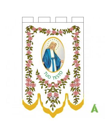 Bannière liturgique sacrée avec impression centrale de l'image sacrée et religieuse et décorations florales.