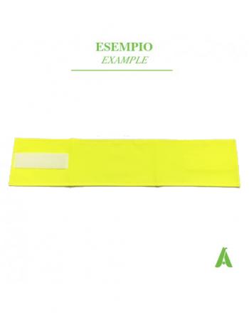 Brassard jaune fluo haute visibilité, neutre sans logo, réglable par velcro.