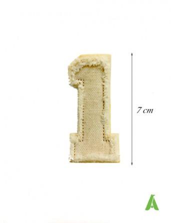 Bestickte Nummer 1 zum Nähen und Bügeln im Vintage-Stil auf ausgefranster Baumwolle, zerstört.