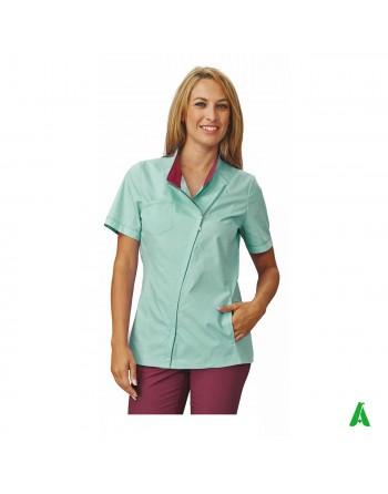 Casacca per beauty & wellness verde, personalizzabile con ricamo fino a 9 colori.